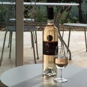 Pärlor i Provences gäster välkomnas med domänens eget vin!