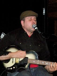 Mark Sultan aka BBQ (Kanada) med sin enmansorkester. 12/3-2010