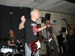 The Nomads, 23/12-2010, lite gråare än när de lirade på Pub Stopet 22 år tidigare, när gamla Rocksyndikatet huserade en våning ned...