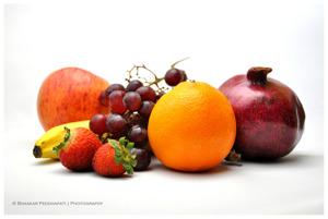Bananflugans favoritmat är frukt. Flugan används mycket i forskning om åldrandet