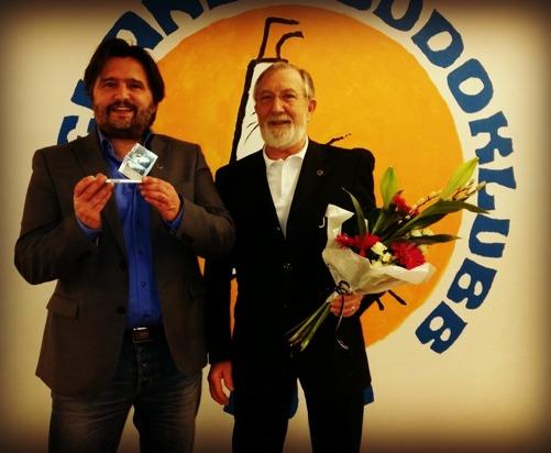 Jag tillsammans med Svenska judoförbundets ordförande Alf Tornberg.