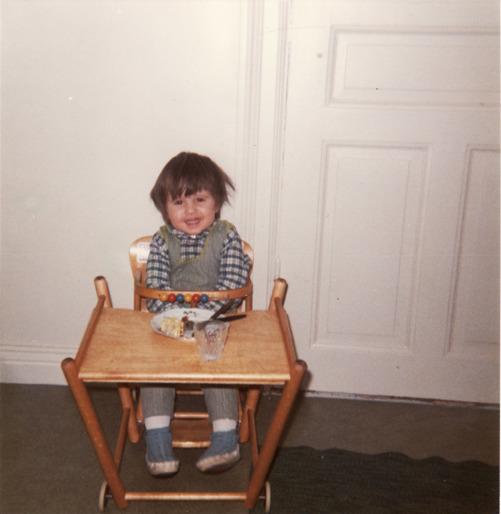 Året är antagligen 1970. jag har ätit en god måltid verkar det som.