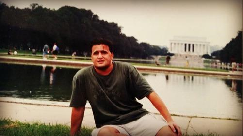 Jag framför Lincoln Memorial någon gång i slutet av 1900-talet.