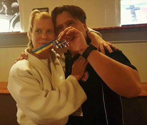 Jag tillsammans med Rose-Marie Tell, Färgelanda judoklubb som vann bronsmedalj under helgens Nordiska mäterskap i judo.
