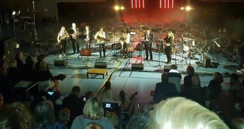 Härlig folkmusik framförd och grymma musiker!
