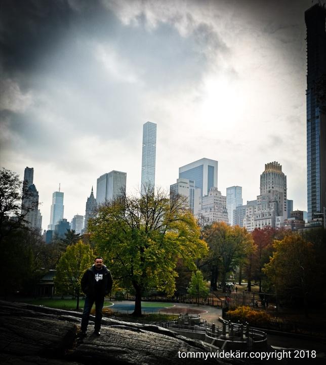 En fin dag i Central park med sol och värmande strålar.