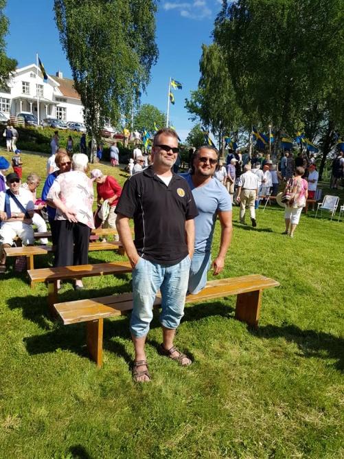 Från 2018 års firande av nationaldagen vid Stigens herrgård. Min vän Lars Bäcker och jag.