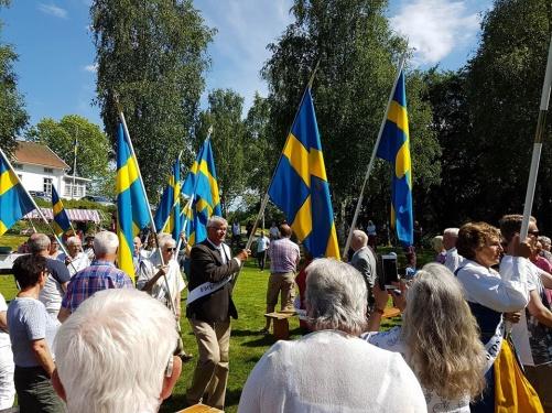Bilden är från nationaldagsfirandet 2014 vid Stigens herrgård.