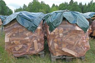 1m3 björkved själpt mått i säck på pall 30-35cm. - 1 m3 björkved själpt mått på pall