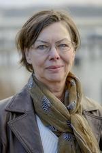 """Birgitta Stillman romanförfattare.  Aktuell med sin debutroman, den historiska spänningsromanen  """"Förbannelsen - en berättelse om Gud och Satan, trolltro och magi"""""""