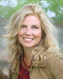 """Teresa Thurell, författaren bakom """"Stjärnsystrarnas hemlighet""""."""