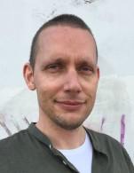 """Marcus Löfblad, författaren bakom diktsamlingen """"Skrapsår"""""""