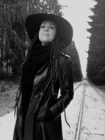 """Ylva Svensson Borg, illustratören, konstnären och poeten bakom """"Älska med mig till Beijing""""."""