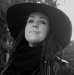 """Ylva Svensson Borg, illustratör, konstnär och poet. Aktuell med dikt- och fotosamlingen """"Älska med mig till Beijing"""""""