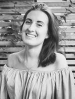 """Anicia Sundström Eriksson, aktuell med sin debutbok, en självbiografi i dikt- och prosaform, """"Skammen är inte din - om psykisk ohälsa och vägen mot helande"""" samt den engelska översättningen """"Not Your Shame""""."""