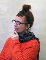 """Stina Nilsson Bassell romanförfattare. Aktuell med  den historiska romanen         """"I mjölnarens spår"""" och """"Mannen i rocken"""" en vuxensaga."""