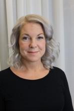 """Cecilia Hjelte, författaren bakom boken """"Yoga med Natali""""."""