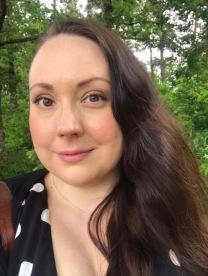"""Anna-Theresé Hernqvist, författaren bakom boken """"Fri och Lycklig""""."""