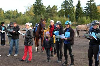 Bangenomgång tidig lördagsmorgon för 6-åringarna på 80 km.  Foto: © Ulf Lonäs