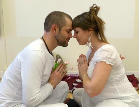 Tantrakurser för par i Göteborg. Kurs för er som vill utveckla er sexualitet genom kärlek, närhet och nya övningar.