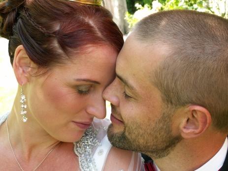 Tantrakurser för par i Göteborg & Varberg. Kurser i tantra för er som vill utveckla er sexualitet genom kärlek, närhet och nya övningar.