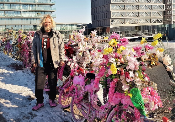 Warren, the flowerbikeman.