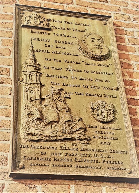 Plattan på Schreierstoren sattes upp 1927 av Historiska sällskapet i Greenwich village.
