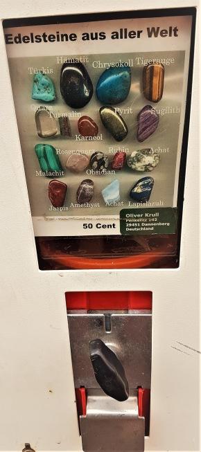 Jag hade tänkt mig en smaragd för 50 cent, men det smög sig.