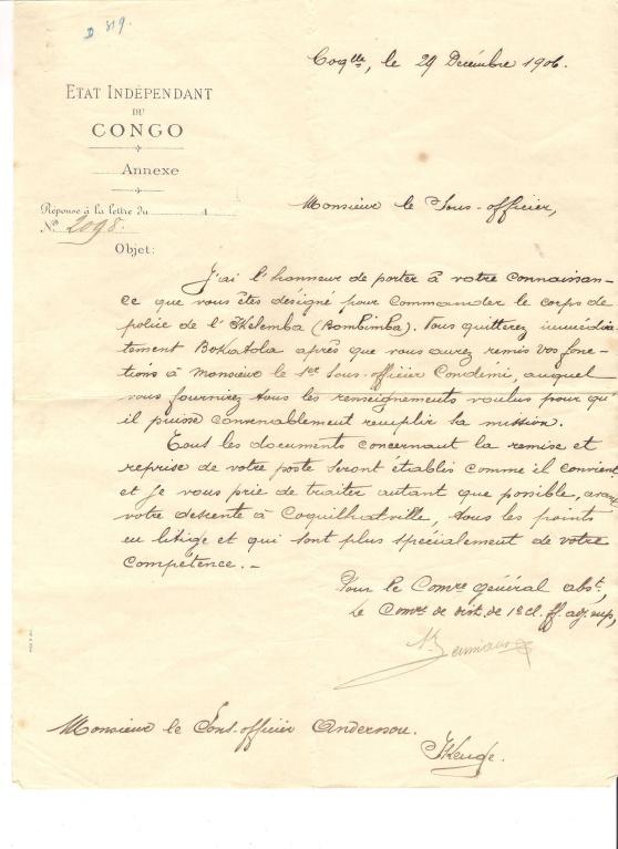 Ett handskrivet dokument som berättar att Nils Viktor Andersson utses till polischef i Bombimba i Ekvatorprovinsen och flyttas från Bokatola. Den senare platsen var en av de värst utsatta och våldsammaste platserna i hela Kongo.