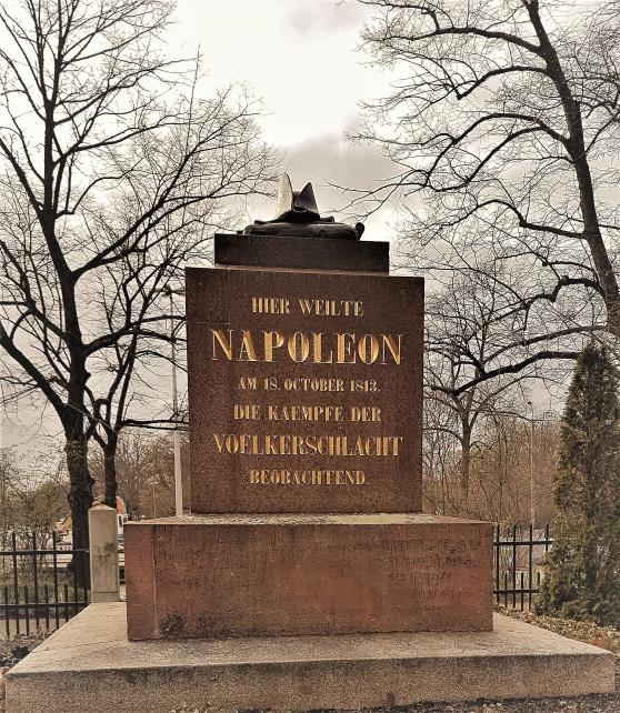 Den besegrades hatt ligger kvar vid slagfältet i Leipzig.