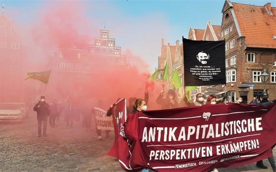 Feministiska och ekologiska antikapitalister gjorde sina röster hörda på am Sande i Lüneburg.