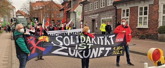 Solidaritet är framtiden. Låt oss hoppas.