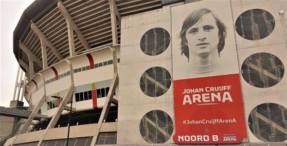 Johan Cruijff Arena i Amsterdam. Ära och stolthet, inte kapital som styr.