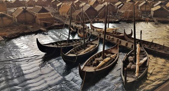 Välgjorda modeller på museet i Birka.