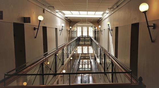 I dag fungerar det gamla cellfängelset som hotell.