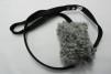 Fårskinnsleksak 10x6 cm - Fårskinnsleksak liten vit, svart band