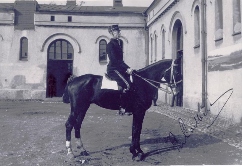 Frej och underlöjtnant Per Carlberg som vann den första omskrivna och långa distansritten från Jönköping till Stockholm 1895.