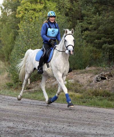 Kiidaaj, här med sin tidigare ägare Ewa Mårgård, är anmäld till VM för sjuåriga unghästar i Samorin i Slovakien den 27 september.