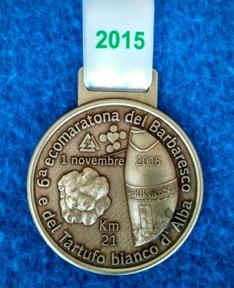 Medalj, diplom och fem rätters piemontesisk lunch till alla löpare som deltar i loppet.