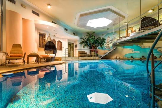 På Hotel Maria**** finns ett riktigt fint spa. Här ligger också den välkända restauranten Kusk.
