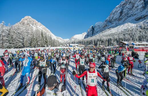 Toblach-Cortina i Dolomiterna är ett perfekt lopp för dig som vill åka 42 km klassiskt eller 30 km skate.