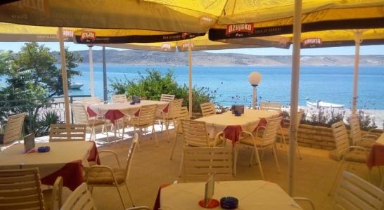 Vårt hotell i Starigrad drivs av en familj och var det första privatägda hotellet i byn.