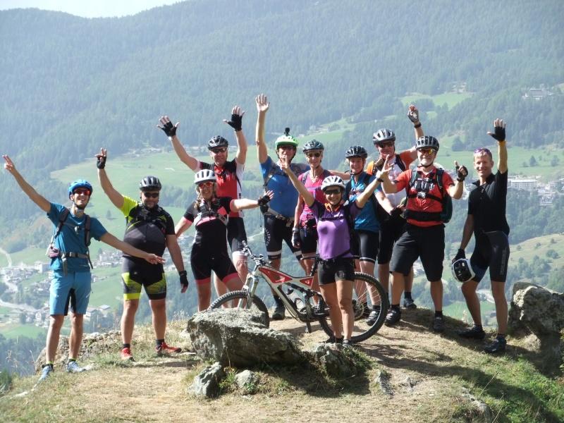 Ett gäng glada cyklister åkte med på Globalrunners MTB-resa till Aostadalen i september 2019.  Ta chansen du också! Med en mountainbike kommer du till platser som andra besökare missar. Vyerna över Mont Blanc, Matterhorn och Monte Rosa är svårslagna.