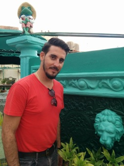 Saúl is our tourleader in Cuba. Grown up in Trinidad and now living in Havana, with the whole country as his working field, Saúl is full of contacts along the route, eager to show you his strawberry fields behind the beaten tracks.