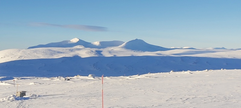 Panoramic view from  STF Gåsen Hut towards Syl Mountain Range
