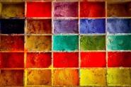 Låt kreativitet flyta fritt! Du behöver inte kunna målaeftersom strukturen och de flytande färgerna gör vackra bilder möjliga.
