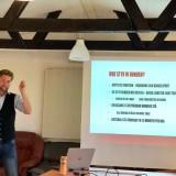 Jörgen Lundqvist höll en mycket lärorik föreläsning om Utställningssporten. Foto: Cherrie Granlund