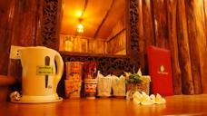 Inne i bungalow Baan Baitan resort