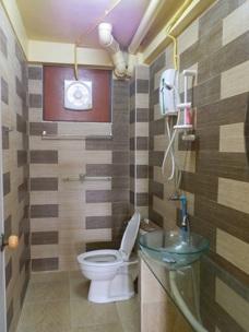 Dush och toalett Mae Phim Guest house