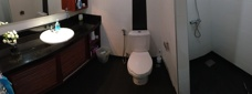 Dusch och toalett handikapps lägenhet i Thailand